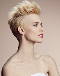 fryzura z włosów krótkich na sylwestra